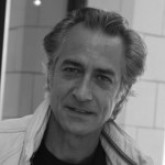 Headshot of David Strathairn